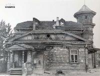 Дом жилой с трехъярусной башней (дер.)
