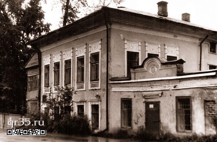 Дом жилой с лавками