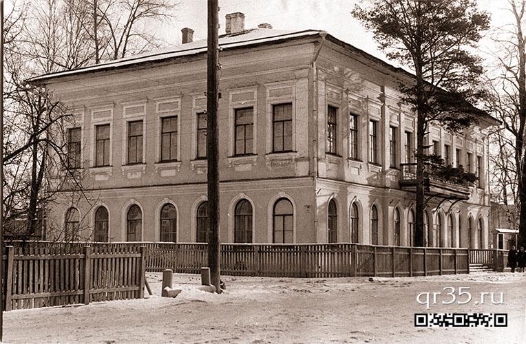 Здание учительской семинарии